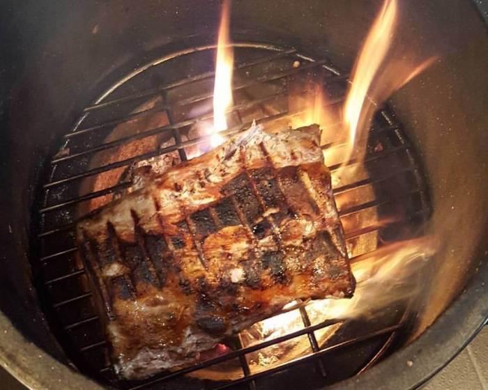 Nobelhart und Schmutzig - Fleisch von Gut Hirschaue auf Grill